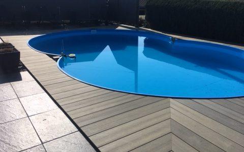 Schwimmbadeinfassung mit WPC